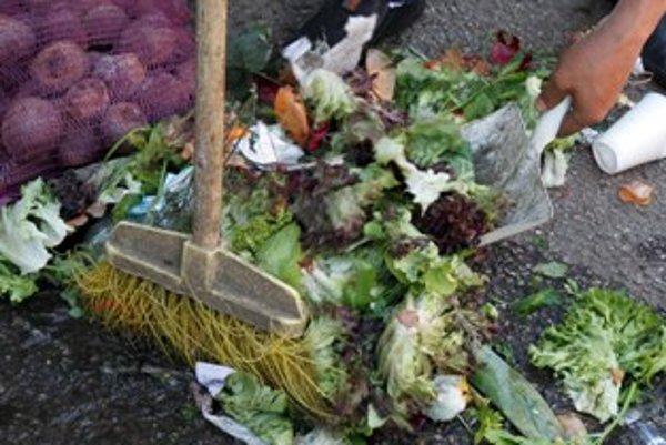 Zelenina môže byť kontaminovaná aj pomiešaním umytej zeleniny so znečistenou.