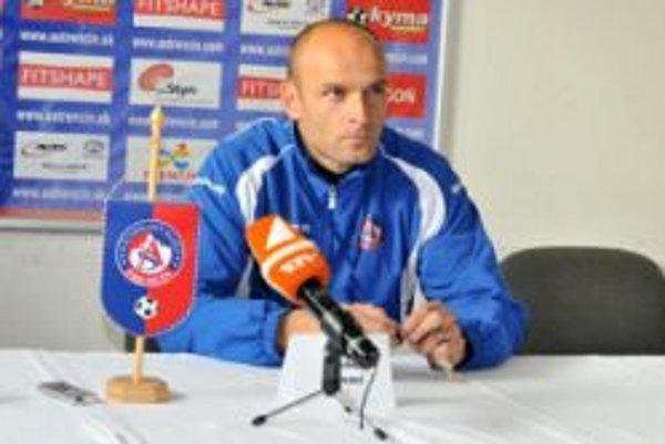 Tréner Adrián Guľa je presvedčený, že jeho zverencom motivácia na jarné boje nechýba.