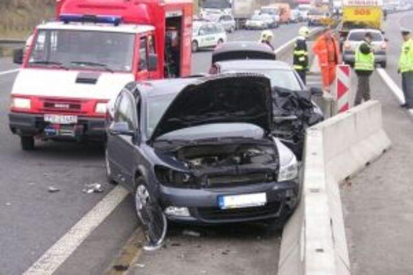 Až 80 percent všetkých nehôd spôsobili vodiči motorových vozidiel.