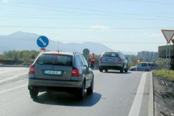 Zvýšenie dane z motorových vozidiel už avizovala košická, nitrianska i prešovská župa.
