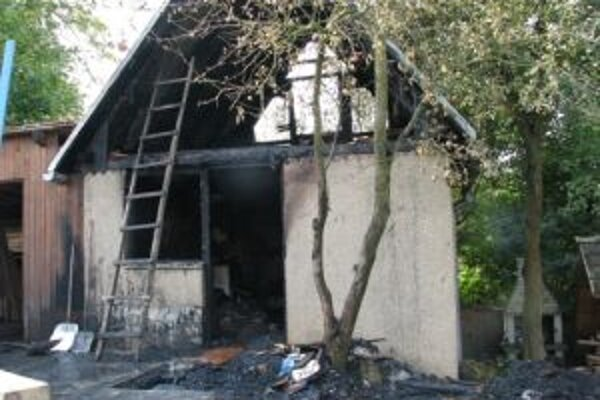 Ilustračné foto. Uhasený požiar chaty v Hornej Súči.