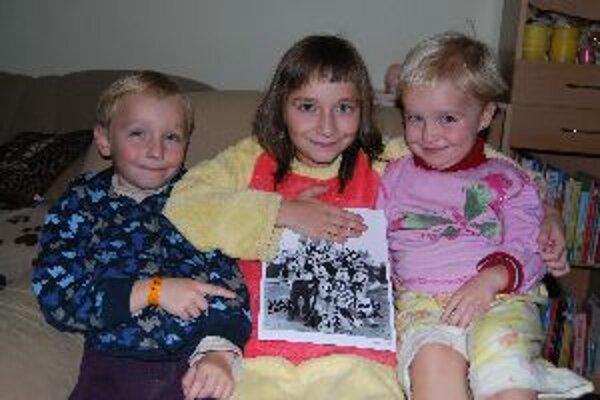 Ninu, Zinu a Erika potešil Mickey Mouse autogramom.