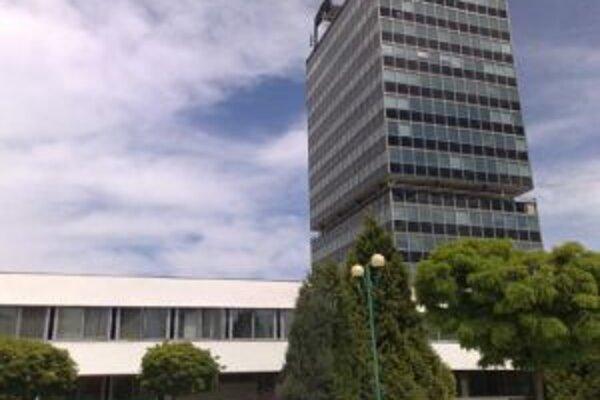 Budova v Považskej Bystrici, ktorá patrí Obvodnému úradu, potrebuje rozsiahlu rekonštrukciu.
