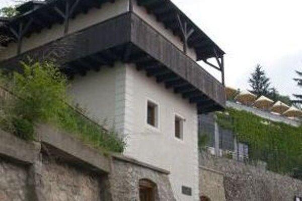 Turisti môžu navštíviť aj Katov dom, kde sa vraj dejú zvláštne javy.
