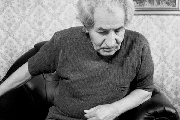 Dezider Banga sa narodil 24. augusta 1939 v Hradišti. Študoval slovenčinu a dejepis na Filozofickej fakulte Univerzity Komenského v Bratislave. Po ukončení štúdia pôsobil ako stredoškolský učiteľ na gymnáziu v Trebišove, neskôr ako dramaturg Literárnej re