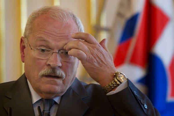 Ivan Gašparovič vetoval zákon  o pomoci v hmotnej núdzi.