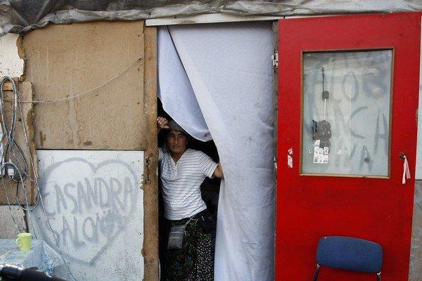 Francúzsko bojuje s rómskymi kočovníkmi.