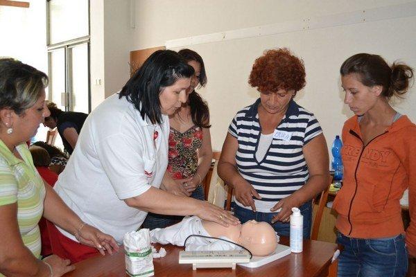Erika z Telgártu (uprostred) počas školenia.