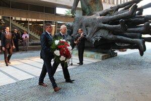 Pietna spomienka pri príležitosti Pamätného dňa rómskeho holokaustu v Múzeu SNP v Banskej Bystrici 2. augusta 2014.