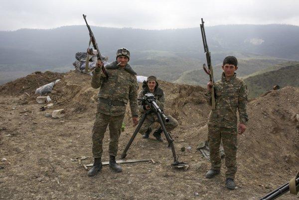 Náhorný Karabach je pod kontrolou etnických Arménov a arménskej armády.