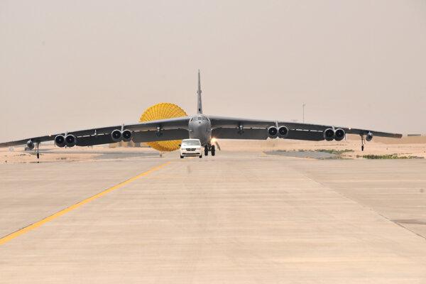 Strategické bombardéry B-52 prileteli do Kataru.