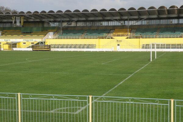 Tribúnu obnovia v rámci rekonštrukcie prievidzského štadióna.