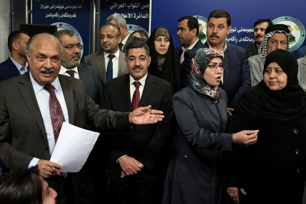 Zákonodarcovia irackého parlamentu.