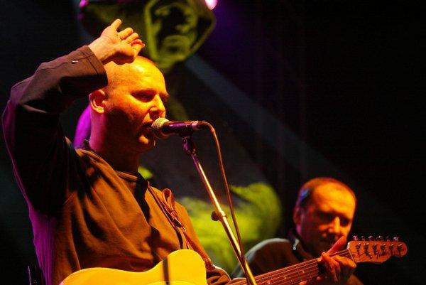 Česká kapela Buty vystúpi 10. októbra v Bojniciach.