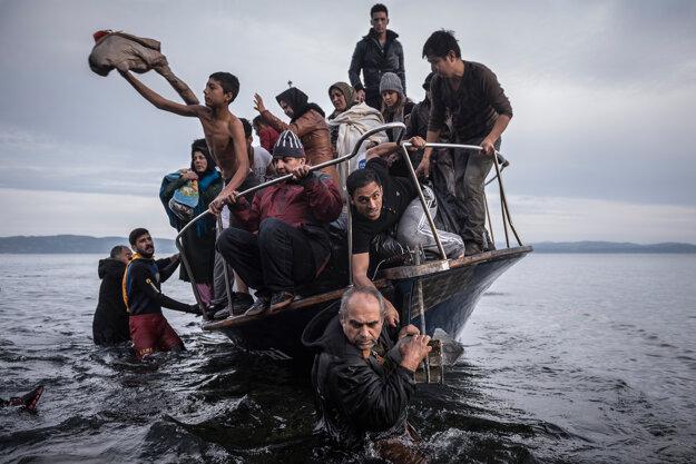 Jedna z víťazných fotografií o utečeneckej kríze.