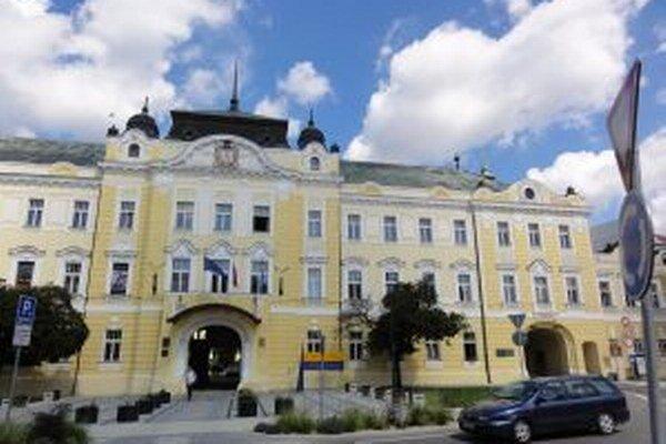 Historická budova Župného domu bude možno onedlho bez galérie, zato plná úradníkov.
