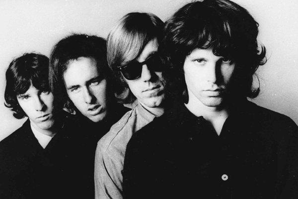 Spevák skupiny The Doors Jim Mirrison patrí do Klubu 27.