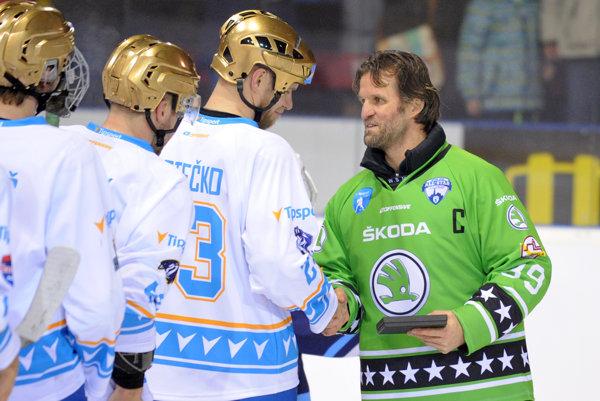 Petrovický (vpravo) počas hokejového All Stars víkendu v Nitre.