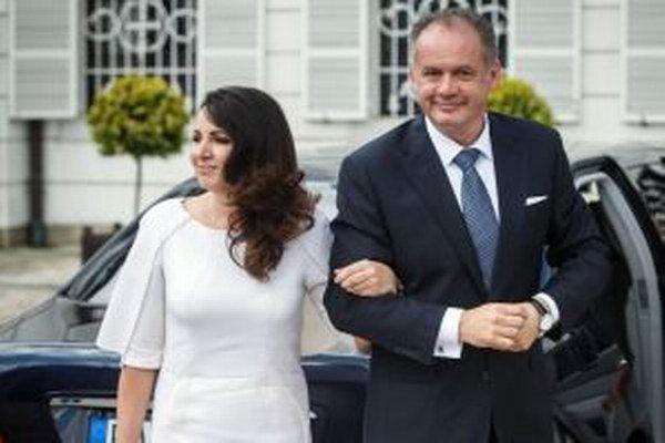 Kiskovci. Prezidentova manželka mala na inaugurácii šaty z dielne trojice slovenských návrhárok.