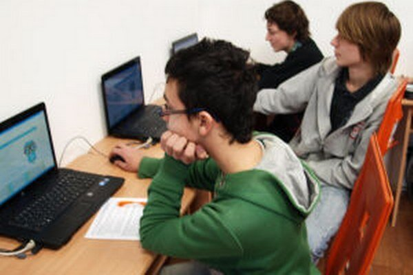 Test má medzi ôsmakmi a deviatakmi v Banskobystrickom kraji odhaliť IT talenty.