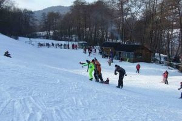 Lyžiarske stredisko v Iliji. Vyhľadávajú ho najmä rodiny s deťmi.