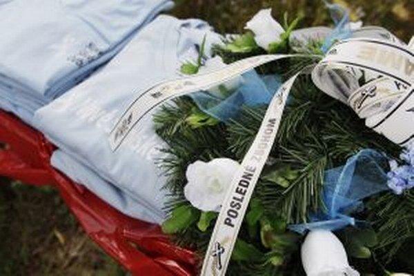 Nové školské odbory dnes symbolicky pochovávajú slovenské školstvo.