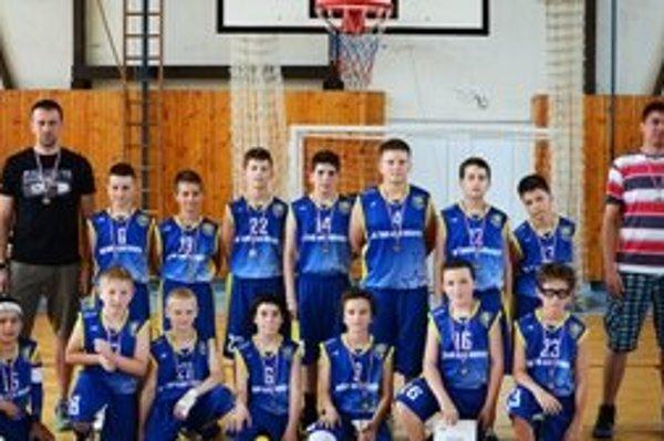 Mladší minibasketbalisti MŠK Žiar nad Hronom tretí na majstrovstvách Slovenska.