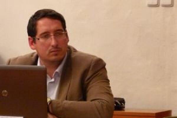 Jaroslav Slašťan o ťažbe hlasovať nebude. Z postu poslanca však odstúpiť neplánuje.