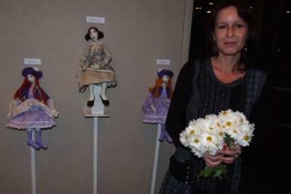 Alena Pilniková sa venuje najmä figurálnej tvorbe.