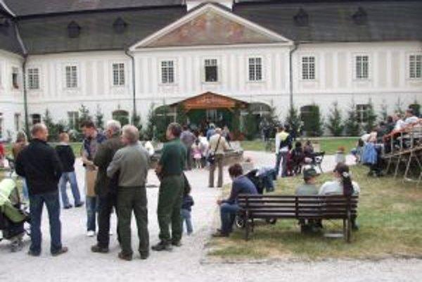 Svätoantonský kaštieľ cez víkend navštívili davy ľudí.