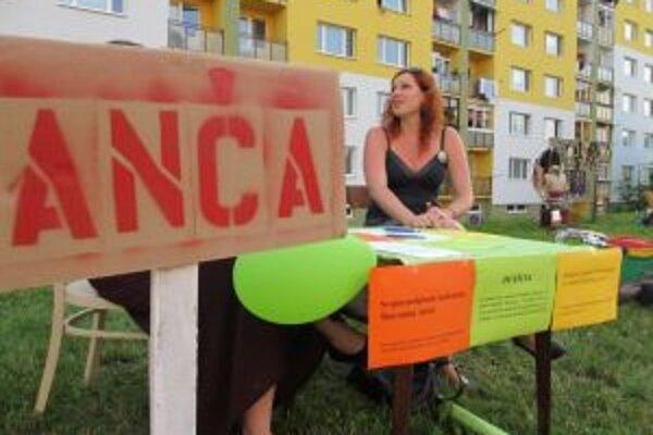 Petíciu za zachovanie linky spustili v sobotu na Pikniku na Drieňovej organizovanom občianskym združením Štokovec, ktoré v roku 2009 v priestoroch banskoštiavnickej stanice zriadilo kultúrno-umelecké centrum.