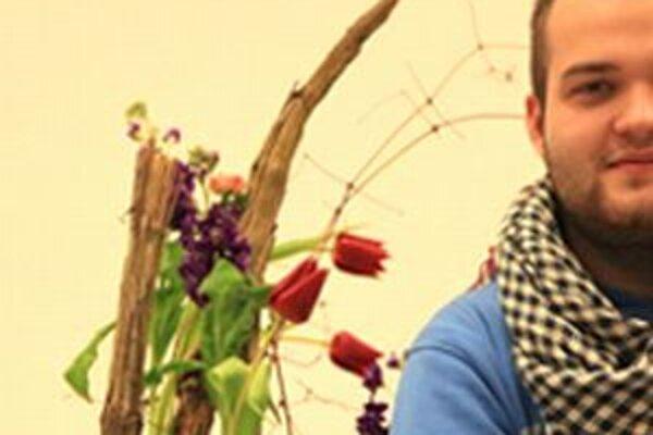 Medzi ženskými kolegyňami sa predstaví aj slovenský majster vo floristike Tamás Vígh. Súčasťou kvetinovej šou bude výstava gerbier.