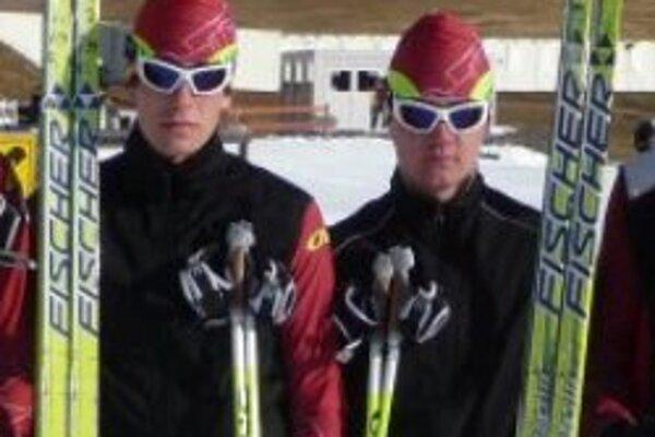 Erik Urgela (vľavo) a Michal Polačko (vpravo) odcestujú na juniorský šampionát do Erzurumu.
