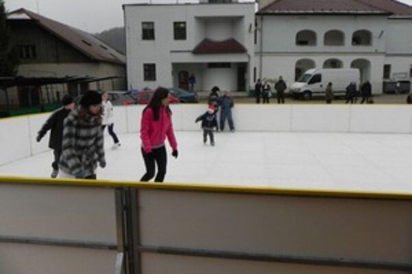 Klzisko v Novej Bani otvorili dva dni pred Vianocami.