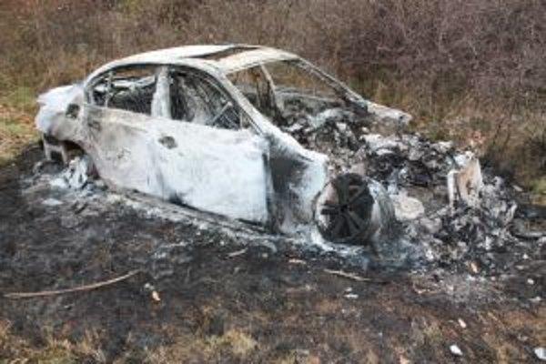 Zhorené BMW vlastní spoločnosť z Bratislavy.