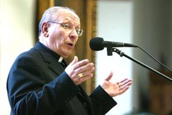 Banskobystrický biskup Rudolf Baláž zomrel náhle na krvnú embóliu.