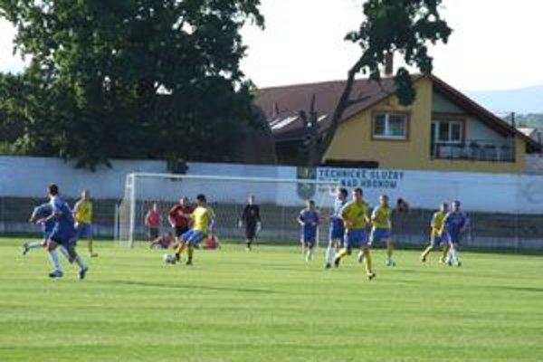 Na domácom ihrisku mužstvo Žiar/L. Vieska súpera zdolalo bez väčších problémov.