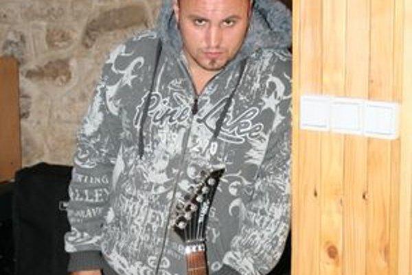 Robo Mikla sa zviditeľnil v prvej sérii Slovensko hľadá SuperStar.