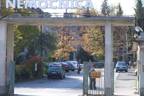 Žiarska nemocnica je kvôli chrípke pre návštevy zatvorená.