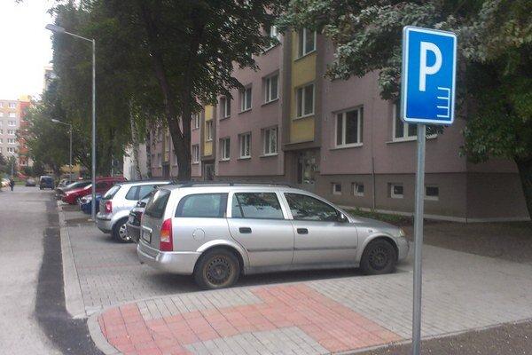 Nové parkovisko na Jiráskovej.