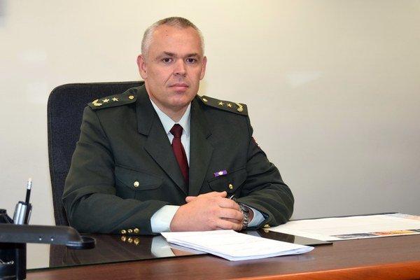 Branko Kubiš sa narodil v Trnave, Od roku 2004 býva s rodinou v Ružindole. Je ženatý, má 11-ročnú dcéru. Popri zamestnaní vyštudoval Univerzitu Konštantína filozofa v Nitre, Filozofickú fakultu. Do služby v policajnom zbore nastúpil v roku 1989. Z