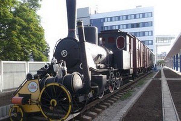 Historický vlak sa stal miestom expozície.