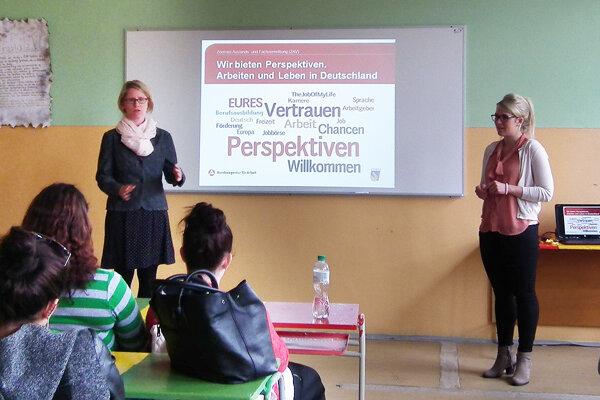 Návšteva z Nemecka. Zľava Marianne Perrin a Maria Haller.