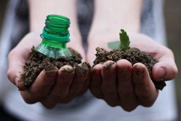 Nedovoľte, aby z hliny za pár rokov vyrástla petfľaša.