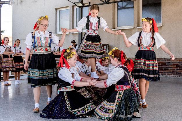 Festival detských folklórnych súborov v Dolnej Súči.