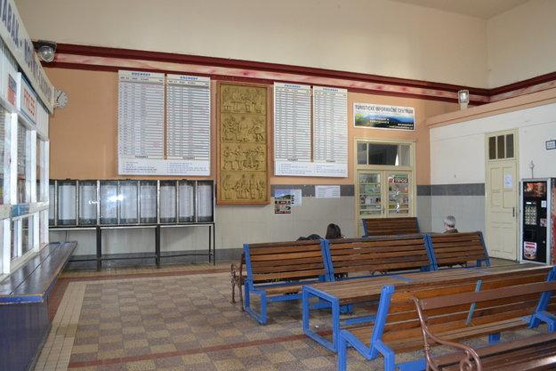 Železničná stanica v Lučenci.