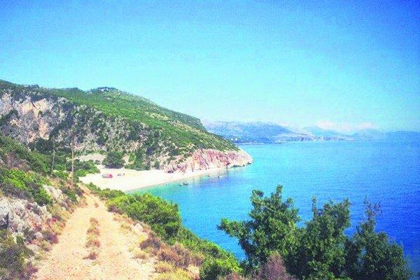 Divoké pláže sú bez obchodov a bufetov.