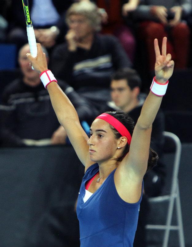 Víťazné gesto dnes Caroline Garciová predviesť nemohla, skončila totiž na rakete našej hráčky.
