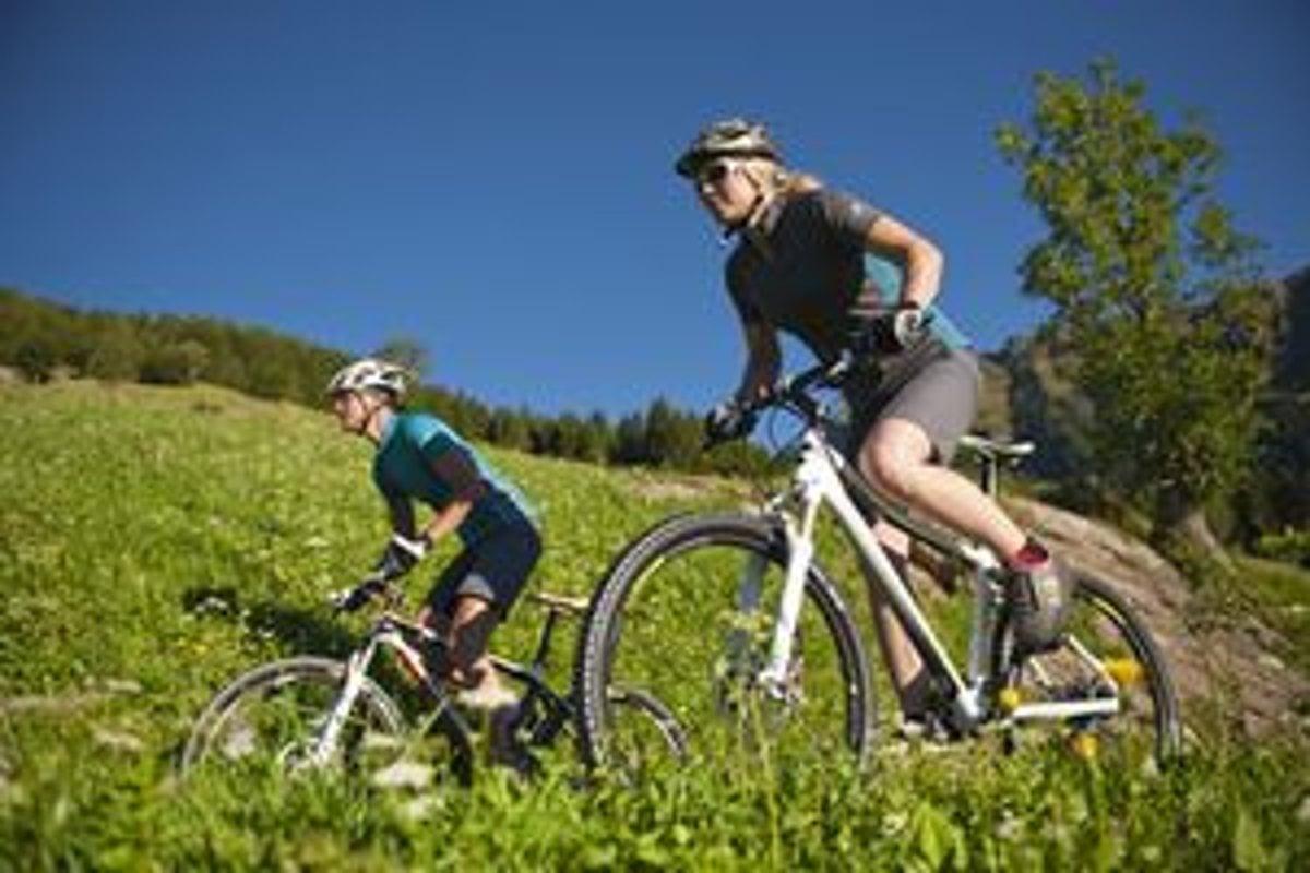 5649eafadde9c Sprievodca výberom prilby na bicykel - Cestovanie SME