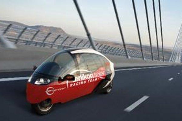 Závod áut s alternatívnym pohonom má propagovať obnoviteľné energie a čistú mobilitu.